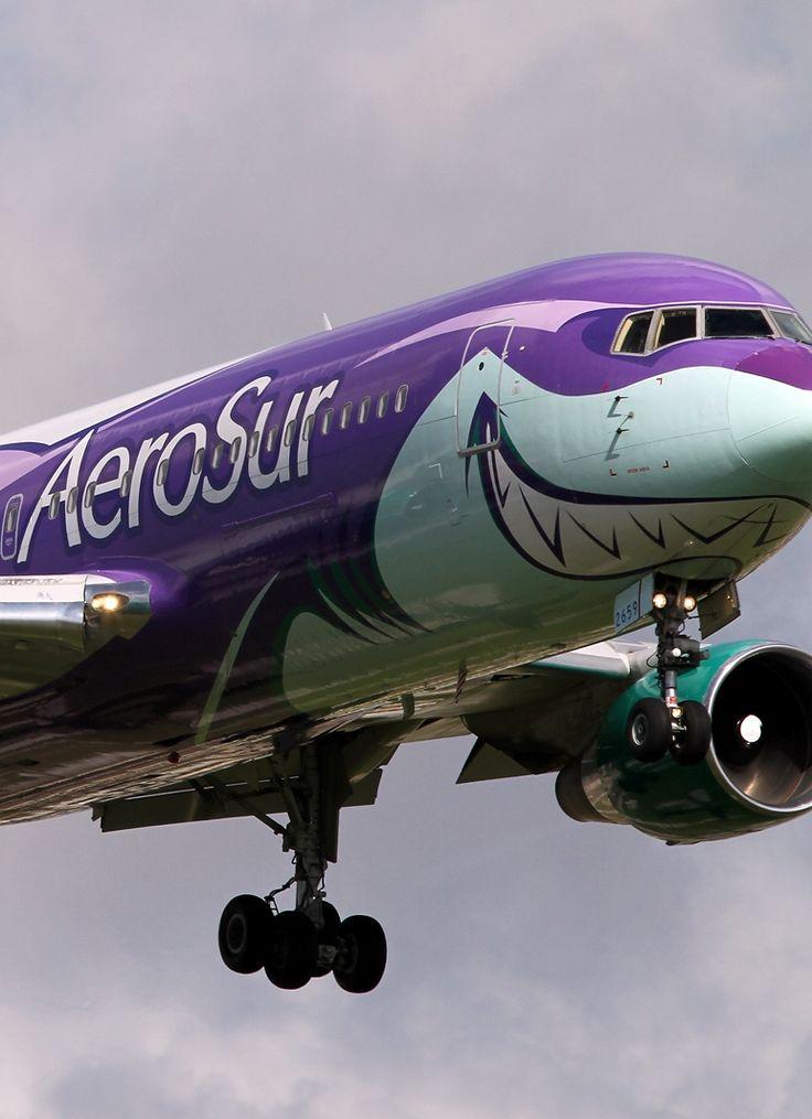 AeroSur Airline plane
