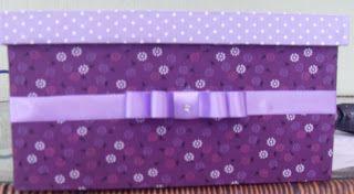 CAIXAS ARTESANAIS E OUTROS MIMOS: caixa forrada em tecido roxo e lilás
