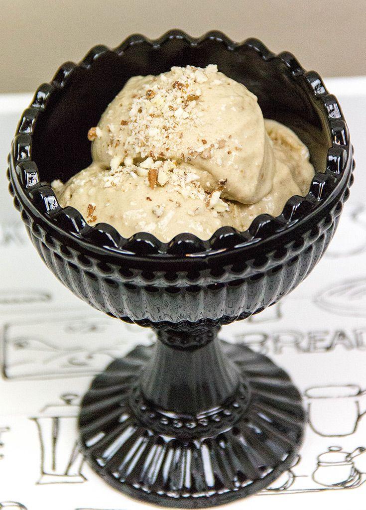 Банановое мороженое с арахисом
