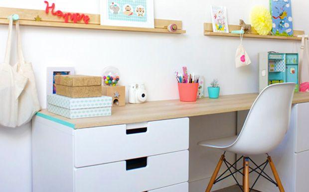 Un joli bureau pour enfant - Ce n'est pas parce qu'ils sont petits que vos enfants n'ont pas le droit d'avoir un bureau digne de ce nom ! En effet, pour faire leurs devoirs, dessiner,