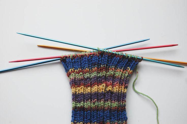 Anleitung: in 7 Schritten Socken stricken
