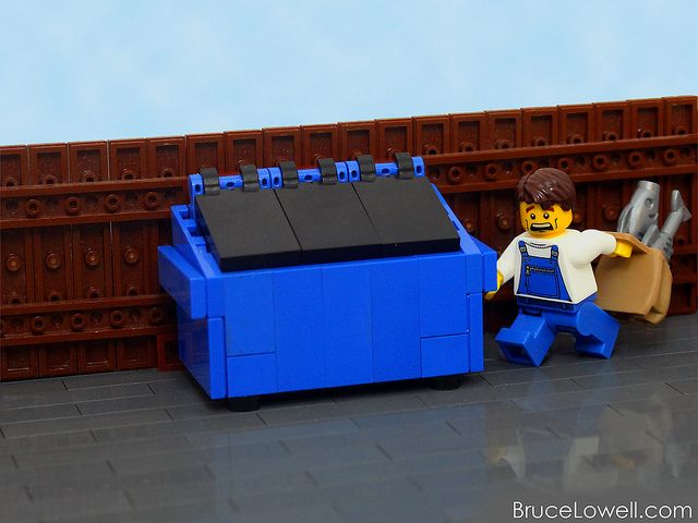 LEGO Dumpster (with instructions) LOL- funny for an in-joke w/some friends. :)