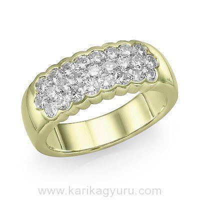Modern, szikrázó gyémánt gyűrű láthatatlan 18K sárga arany foglalatokban összesen 25 db hexagon csiszolású, 1,35ct súlyú G-H/Si2 minősített gyémánttal.  www.karikagyuru.com
