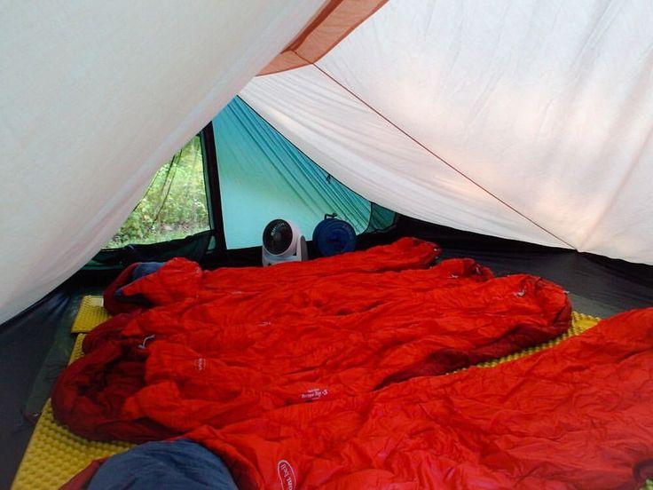 ◀︎ - そろそろ ファクシーの季節 ^_^ ナイロン&コットン=快適 外はダーク 中はライトでやさしい雰囲気 - photo : Summer 2016 - #outdoor #camp #camping #nordisk #faxe4 #thermarest #montbell #ノルディスク #ファクシー #ファクシー4 #モンベル #サーマレスト #ライトアンドファスト