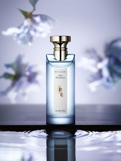 Still life photographer Candice Milon - Visuel Parfum - Bvlgari Eaux Parfumées #parfum #fleurs #bleu