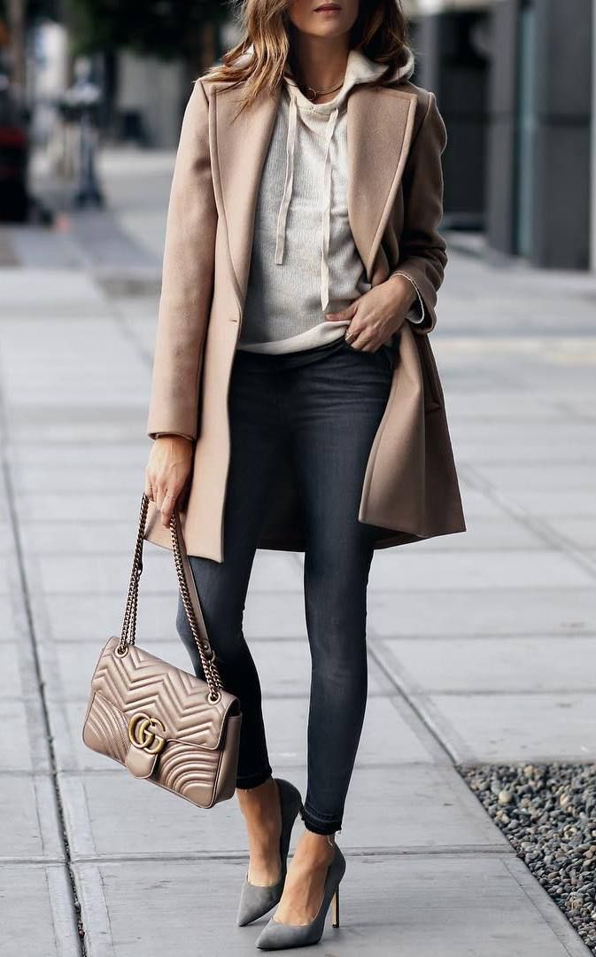 From casual laid-back looks to cute festive dresses, these winter outfits should already be in your closet. #fallfashion #falloutfits #winteroutfits #…