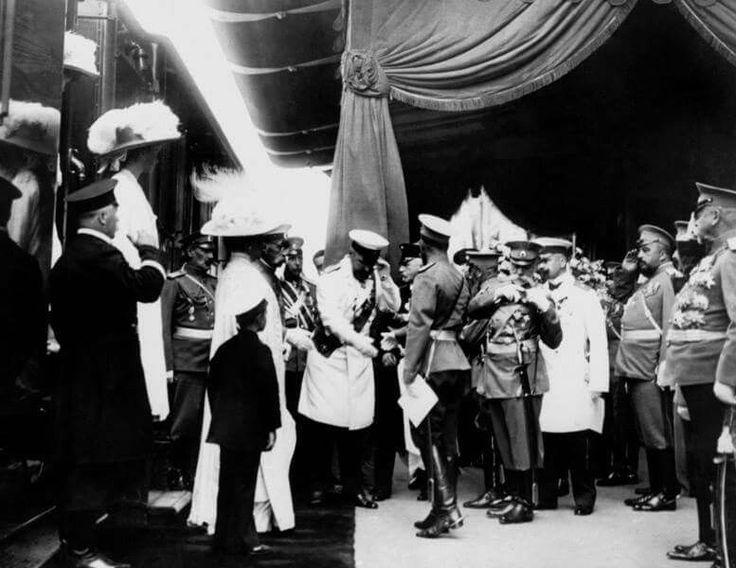Петр Столыпин встречает императора Николая II (20 - 31 августа 1911)