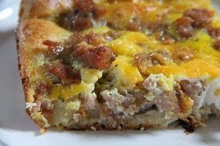 mix and match mama - Sausage Crescent Breakfast Casserole
