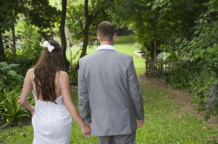 Garden Wedding Photo Idea