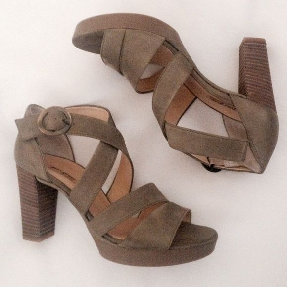 New Paul Green light olive green sandals! ON HOLD They are SO COMFOTABLE but I…