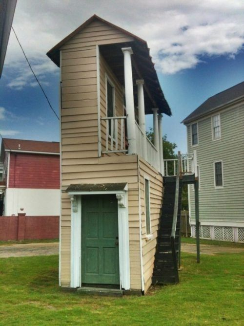 Skinniest Two Story Cottage Ever. Tiny House ...