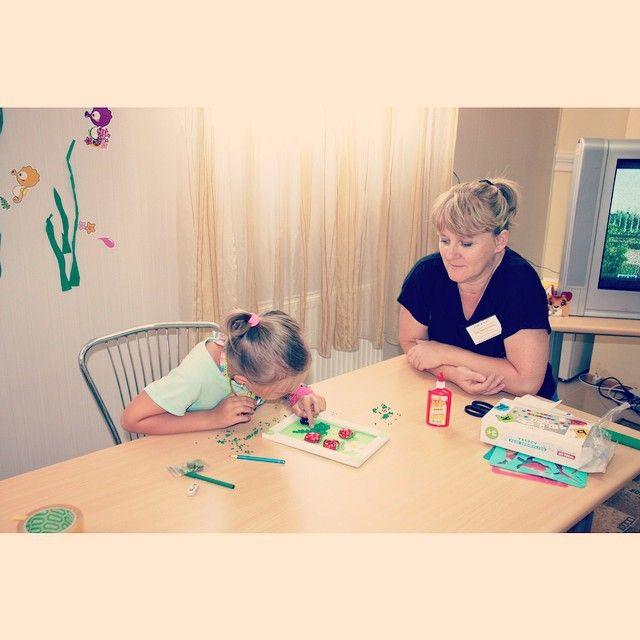 """Детская комната с воспитателем - бесплатно для гостей гостиницы """"Агат""""  #вместесАГАТом #гостиница #гостиницаагат #анапа #пионерскийпроспект"""