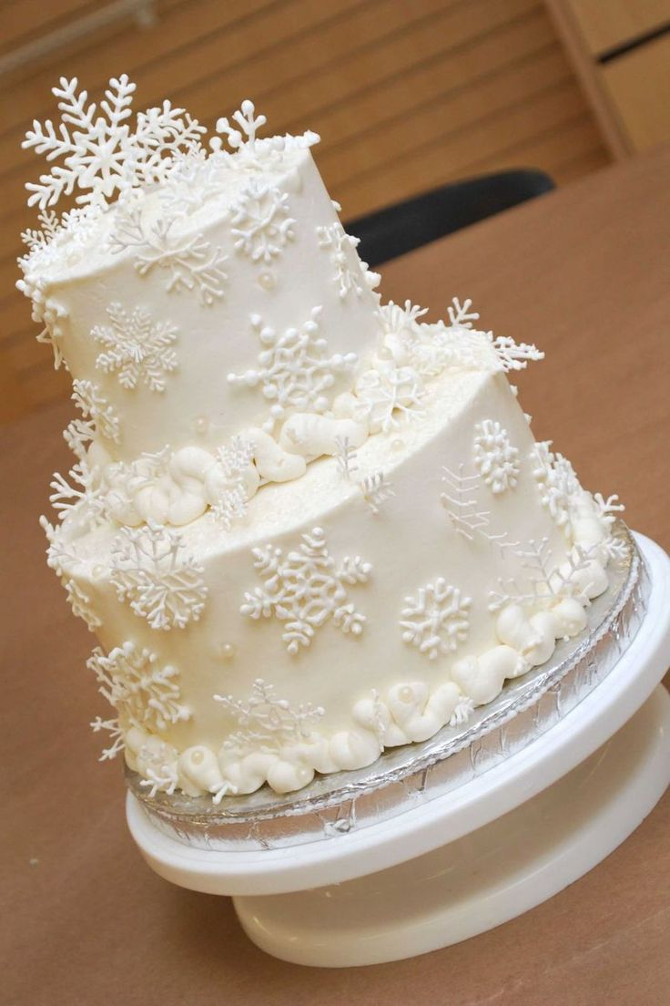Silver And Gold Snowflake Cake