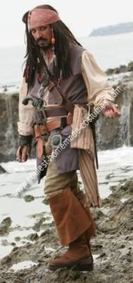 Homemade Jack Sparrow Costume: I started out last year with an online purchased Jack Sparrow costume from the bay and was just never satisfied with it. So for the past year (from Oct