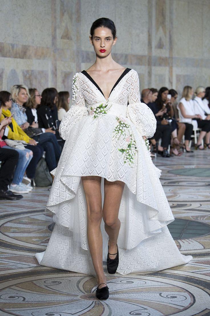 Giambattista Valli | Haute Couture - Autumn 2017 | Look 22