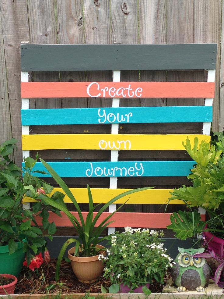 Garden Centre: Another Sanded, Primed & Painted Pallet For My Flower Box