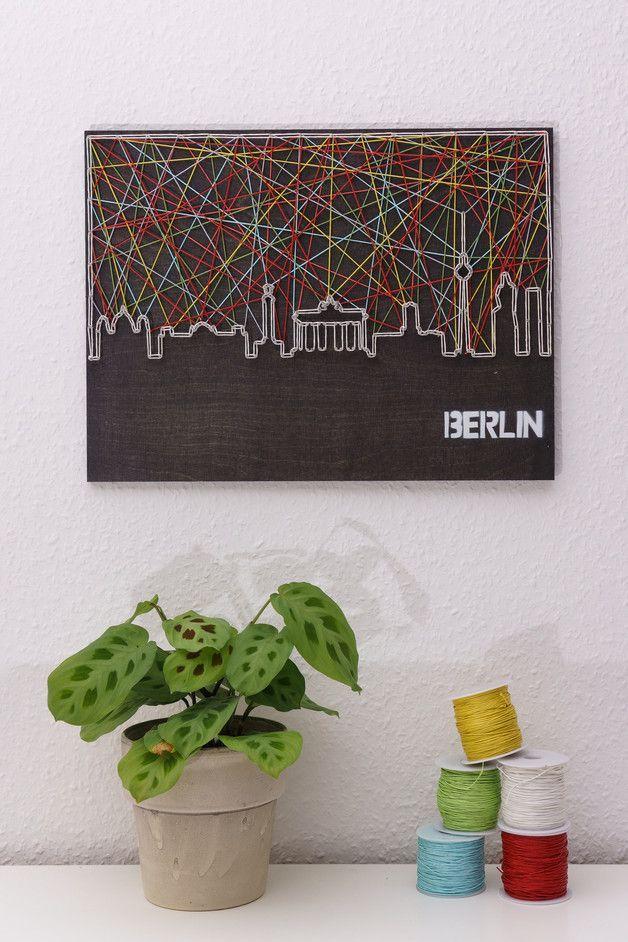 Fadenbild der Skyline von Berlin als Deko fürs Zuhause / wall decoration: picture made of yarn in shape of the Berlin skyline made by schnuerstueck via DaWanda.com