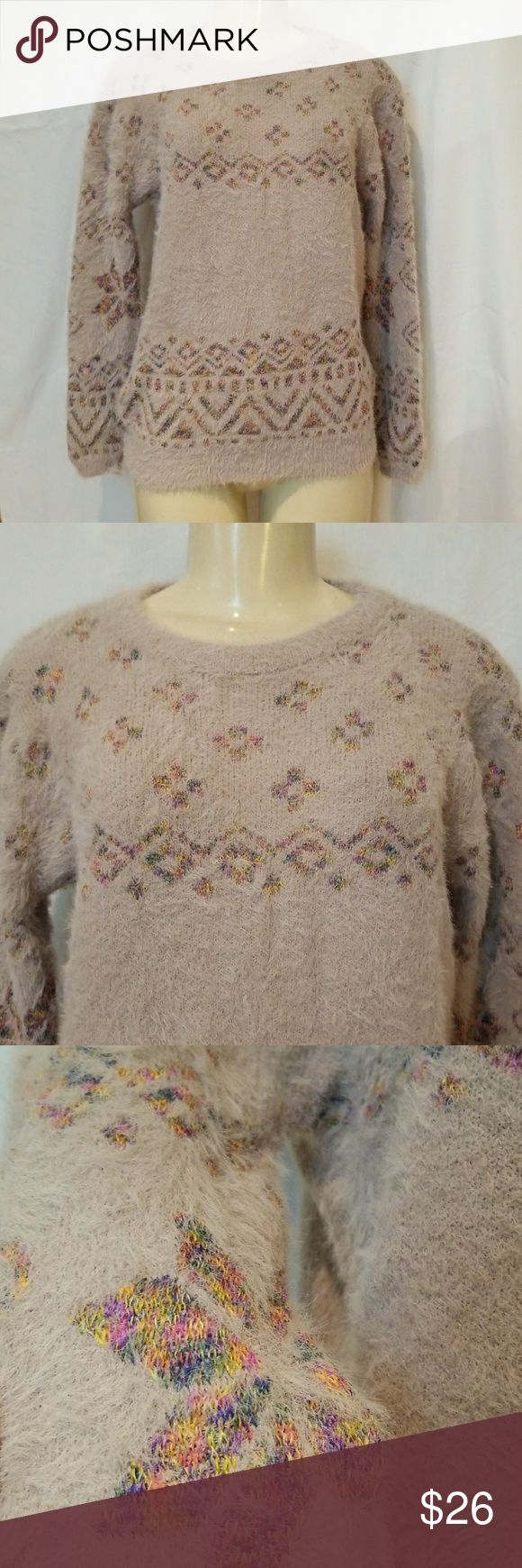 Fuzzy cream beige sweater Fuzzy sweater Cream/beige aztec print Sweaters Crew & Scoop Necks