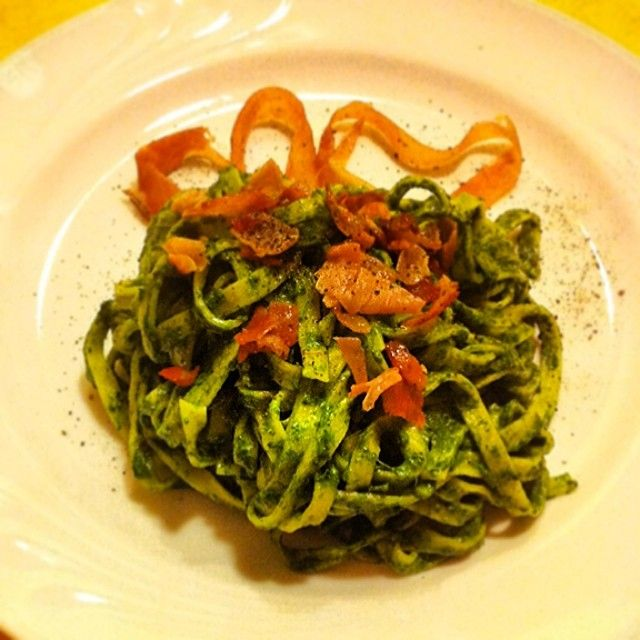 Un po' di #ricette per oggi? #Tagliatelle con #crema di #spinaci e #speck (l'intingolo verde di ieri ;D)