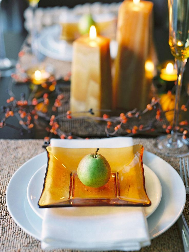 The holiday entertaining experts at HGTV.com share 35 ideas for setting your Thanksgiving table with seasonal style.