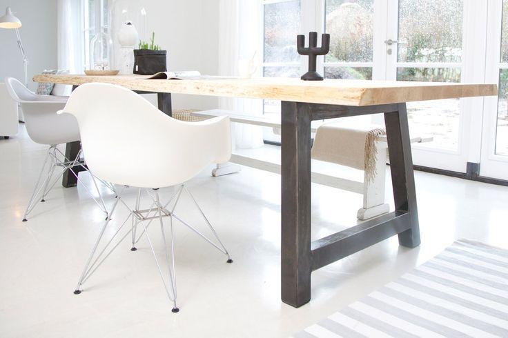 Deze poot wil ik graag combineren met de Chinese deur tafel, zodat t lekker stoer is en niet te landelijk - meneervanHout.nl