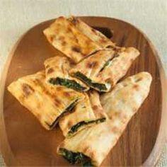 Ispanaklı Kapalı Pide Tarifi - Resimli Kolay Yemek Tarifleri
