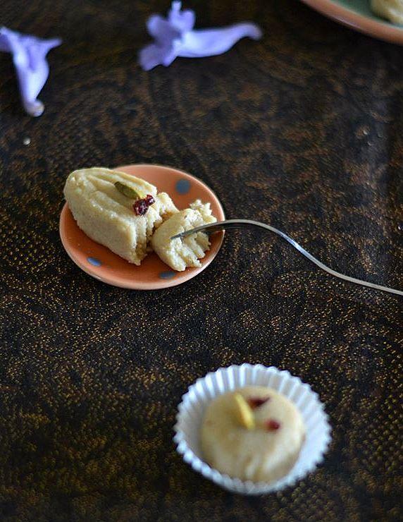 Mix And Stir Cottage Cheese And Ricotta Cheese Fudge Sondesh