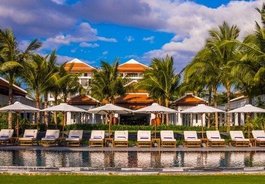 Planlæg din næste ferie på The Anam Resort, som giver dig himmelsk luksus med et strejf af autentisk, vietnamesisk kultur, inkl. morgenmad m.m.