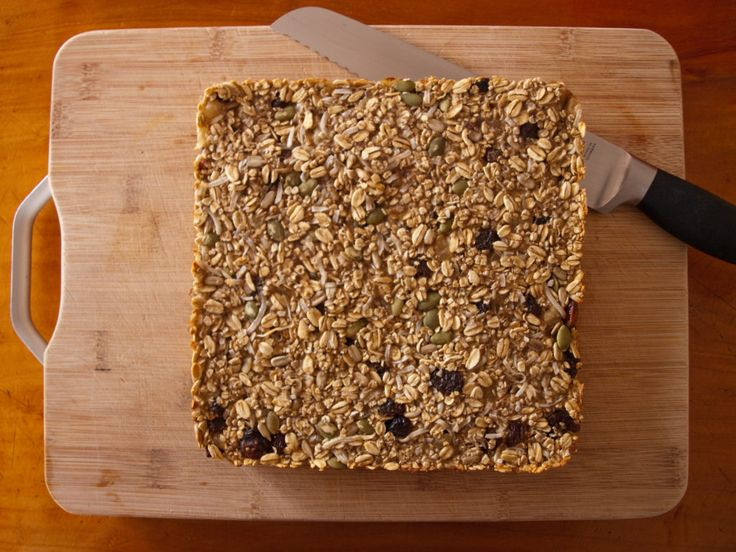 Easy, healthy Banana and Oat Slice by tastyshoestring.com