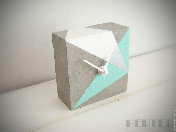 Concrete clock | Купить Часы из бетона - мятный, часы, часы настольные, бетон, аксессуары из бетона, лофт, бетон