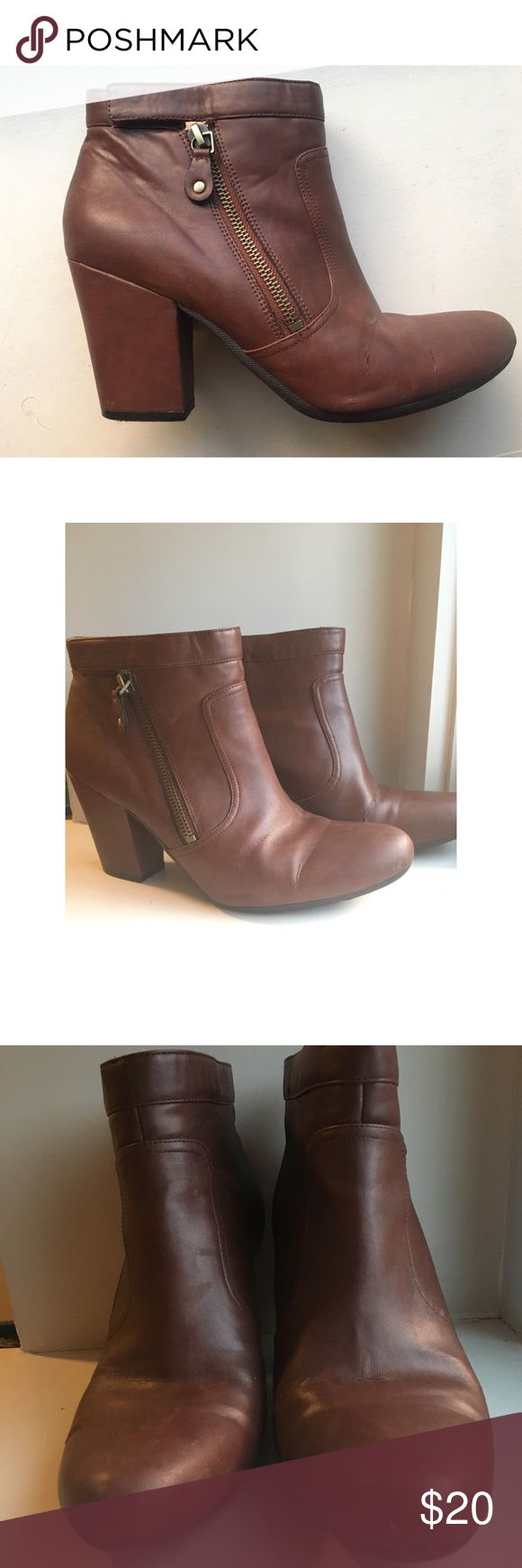 Easy Spirit Brown Heeled Ankle Boots Gently worn Easy Spirit heeled Ankle boots. There's a few small tests facing in, as pictured. Otherwise these boots are in great shape. These would be a cute way to dress up any outfit. Size 8. Easy Spirit Shoes Heeled Boots