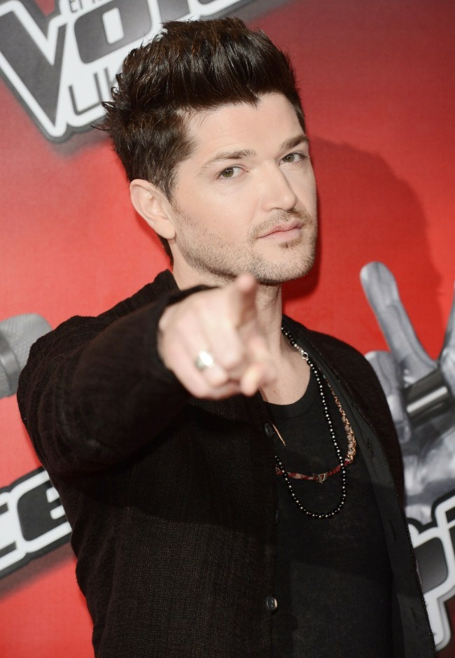 .... I think he's pointing at me!!! Hehe