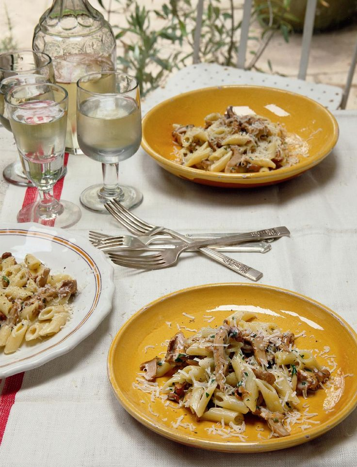 Theo Randall's creamy Mascarpone and Chanterelles Mushroom Pasta dish is a quick and easy dinner recipe perfect for the entire family. Using miniature penne, known as pennette, ensures an ideal ratio of pasta to mushroom in every mouthful. This wild mushroom pasta recipe is a delicious fruity twist on a simple midweek meal. #italianrecipes #mushroom #pasta