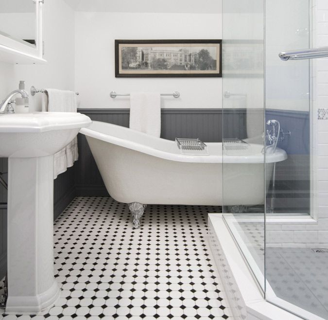 A Grey And White Bath W Claw Foot Tub Black Checked Tile Floor Perfect Must Haves Ideas For My Future Craftsman Home Bathroom