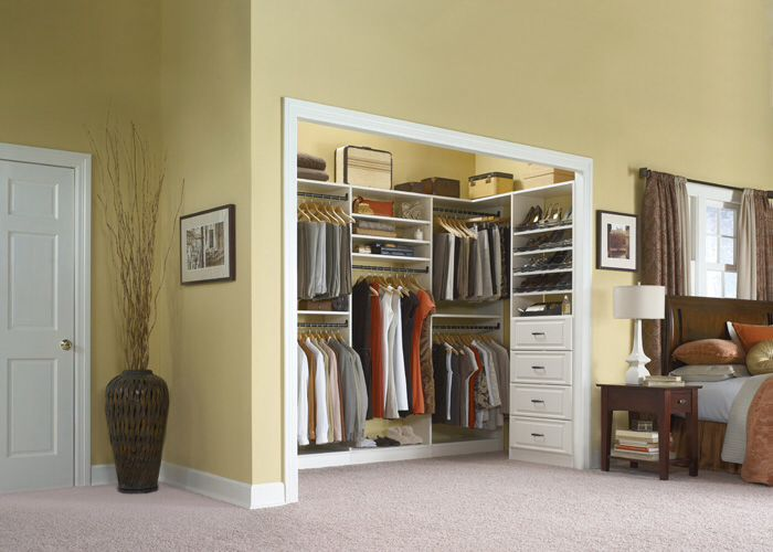 Reach In Closet G S Might Be Deep Enough For This Elm Closets Elfa