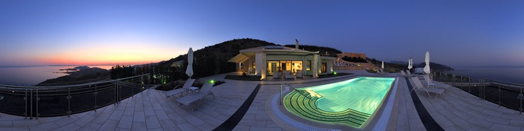 Dream Villas are two exquisite, comfortable luxury villas built amphitheatrically over the lush green hillside of Syvota. Each villa has its own large swimming pool and enjoys a breathtaking view of the Ionian Sea.www.dream-villas.gr