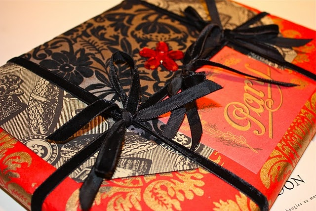 OrientalSpecial Gift, Gift Ideas, Looks Book, Wraps Life, Look Books, Flower Children, Black Ribbons, Gift Wraps But, Wraps Ideas