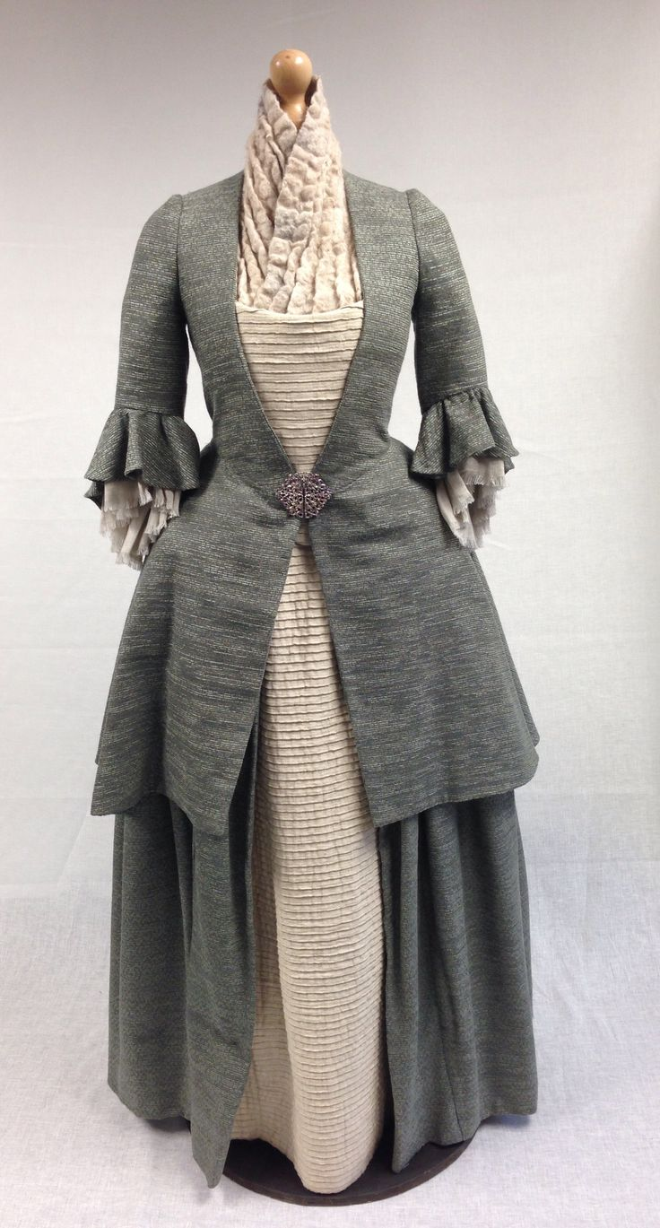 Terry Dresbach   site with incredibly detailed information about the costumes for Outlander