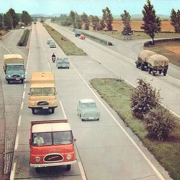 DDR Autobahn. Photo by breetannor | ^ https://de.pinterest.com/Stoneway4/historisch/