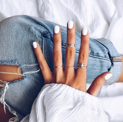 Denim + white nail polish = the perfect combo!