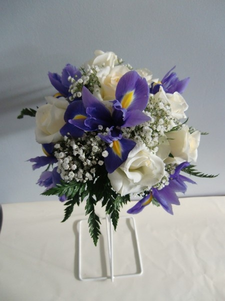 best 25 iris bouquet ideas on pinterest iris bridal bouquet iris bridesmaid flowers and new. Black Bedroom Furniture Sets. Home Design Ideas