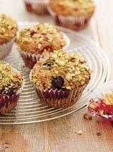 Muffins aux petits fruits et aux pistaches