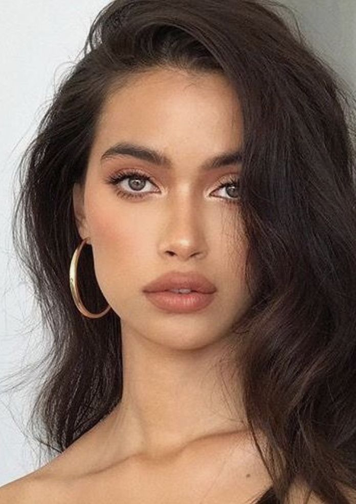 Makeup Natural natural sunkissed makeup + gold hoop earrings + loose wavy hair | #makeupideas