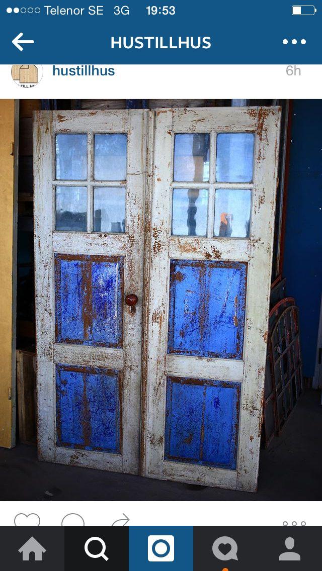 Snygg dörr från hus till hus.