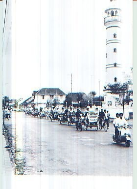 becaks ( pedicab, trishaw ) parade wahid hasyim street Pekalongan City