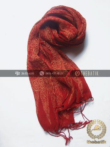 Syal Batik Sutra Warna Merah | #Indonesia #Batik #Scarves Shawl Wholesale http://thebatik.co.id/syal-selendang-batik/