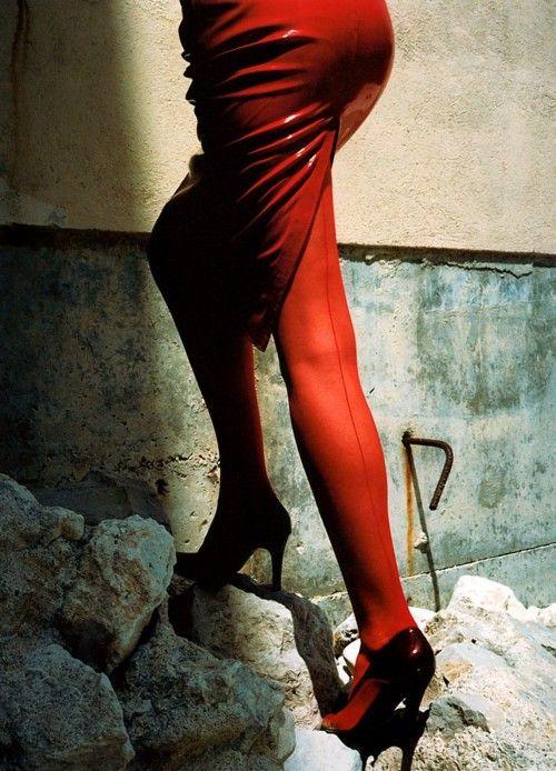 Mario Valentino, Monte Carlo, 1998 Photographer: Helmut Newton
