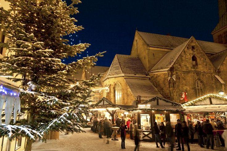 Weihnachtsmarkt (Christmas Market) Hameln, Germany #christmas #travel #citymaps2go: