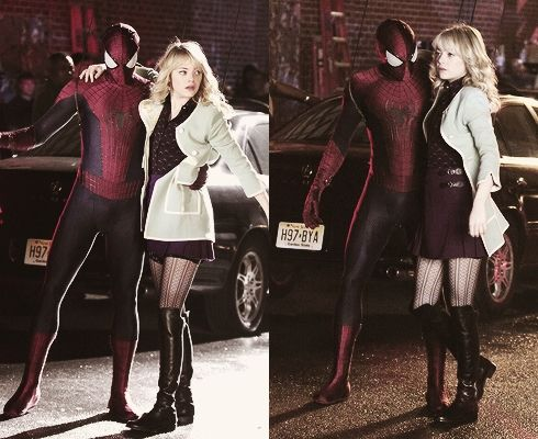 Spier-man e Gwen Stacy. http://iheart-stonefield.tumblr.com/post/52144540089