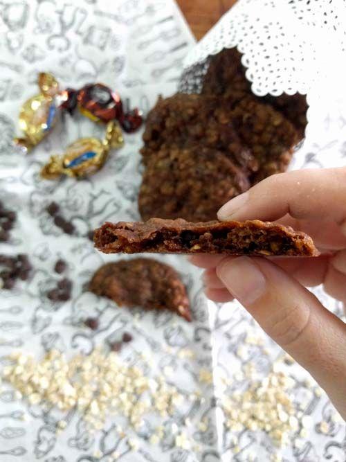 Cookies de avena. Galletitas con avena, chips de chocolate y pedacitos de caramelos de leche!